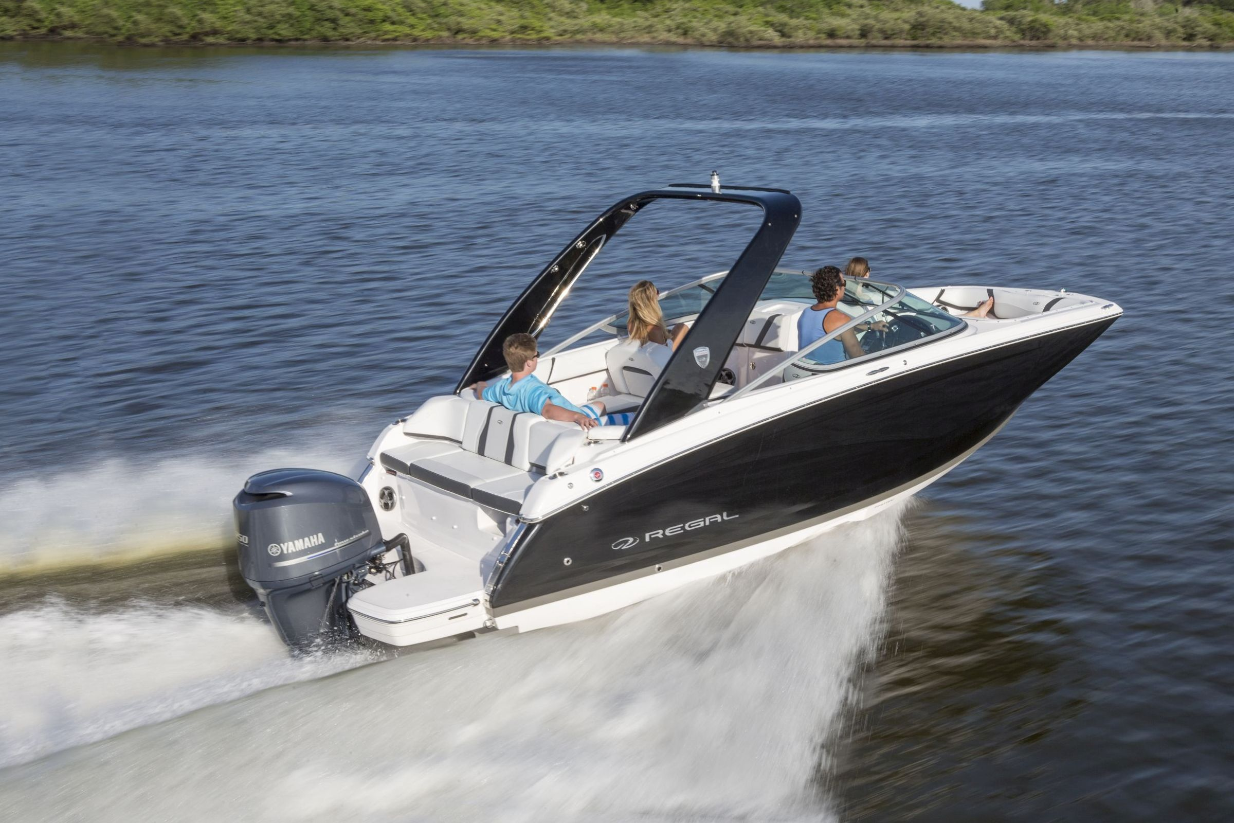 22FasDeck_outboard_running_16_0340