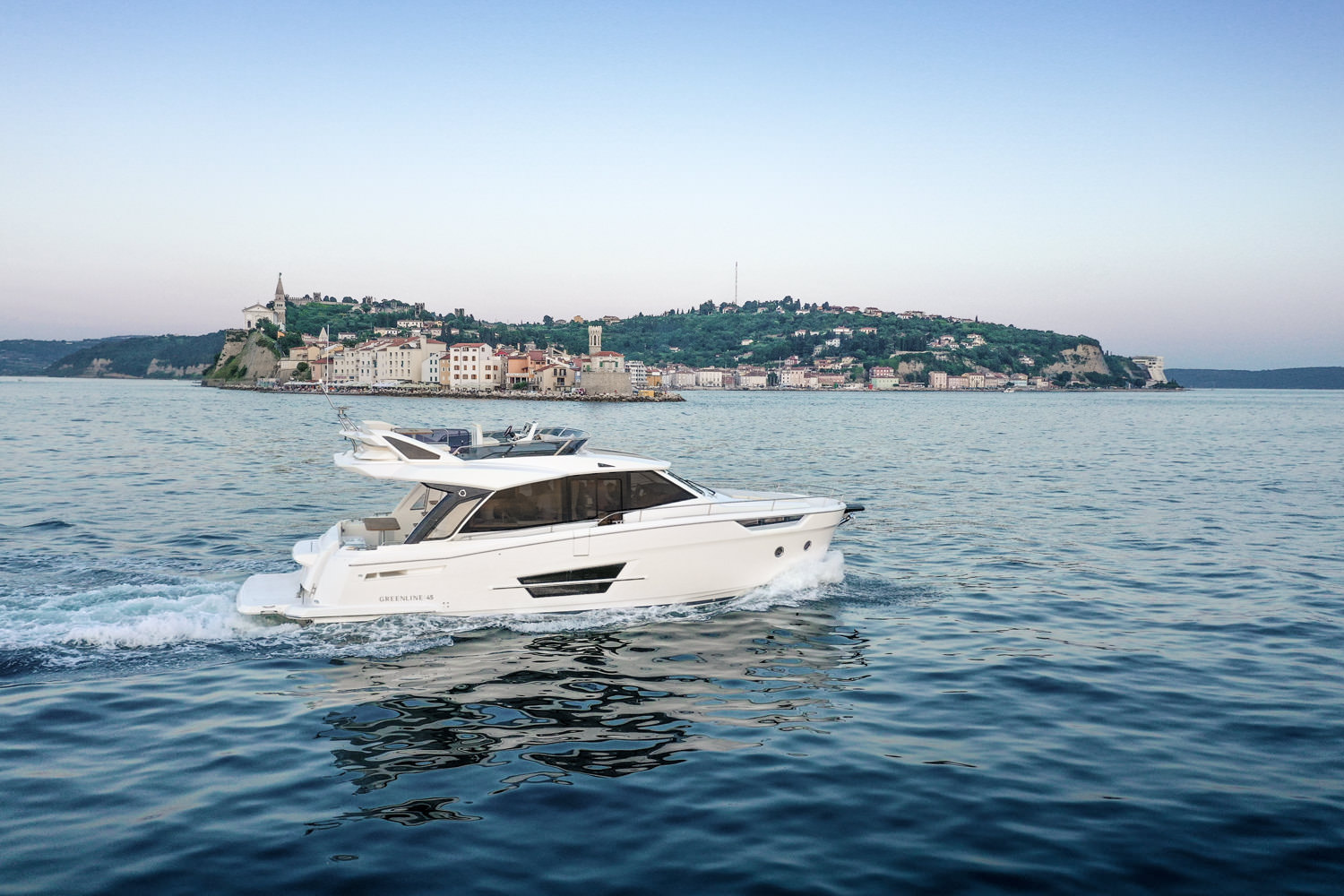 greenline_yachts_45fly-02